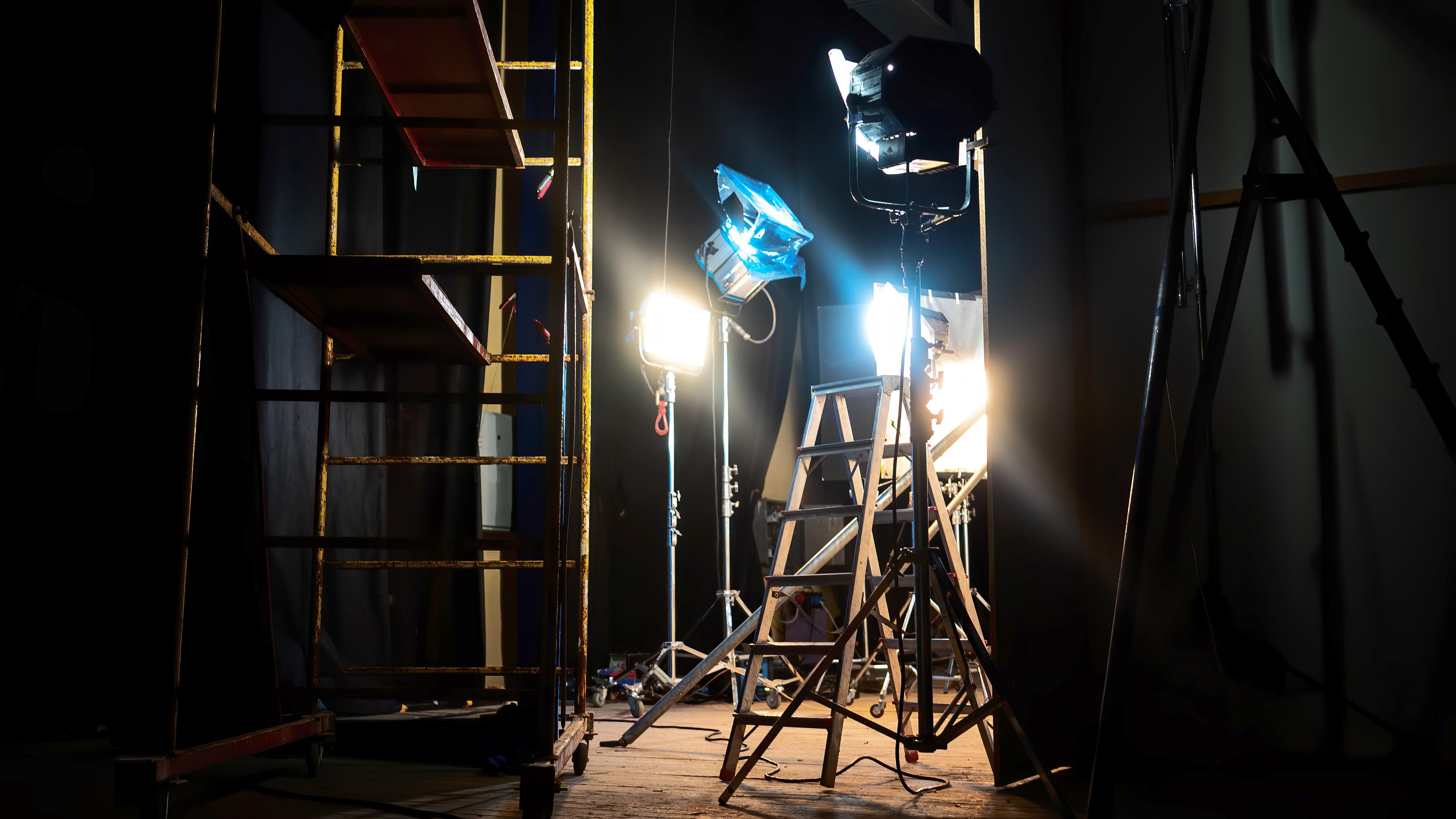 ทนศ213 วิทยุและโทรทัศน์ดิจิทัลเพื่อการศึกษา